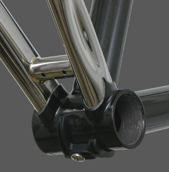 RS22 953 Stainless Chainstays - Under BB View